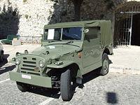 Una Fiat Campagnola, veicolo che sostituì le americane jeep; oltre all'ovvio impiego extraurbano, fu ordinanza della Celere e di molti altri reparti