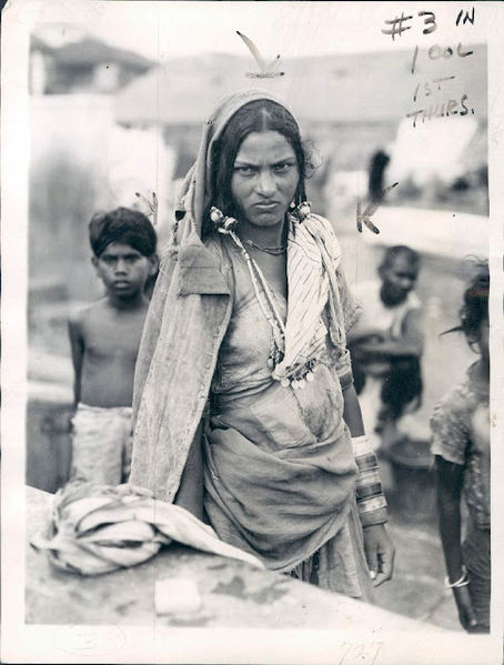 What is the Indian caste system Does it still exist today