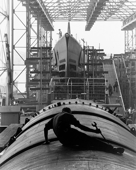 Fleet boat under construction, groton (archives.gov)