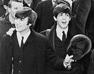 John Lennon e Paul McCartney na cidade de Nova Iorque, 1964.
