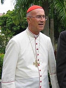 Missione del Guaricano-cardinale Tarcisio Bertone.jpg