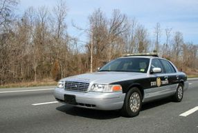 English: A North Carolina State Trooper talkin...