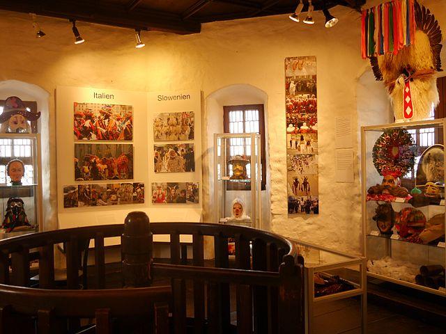 voir toutes les photos de narrenmuseum