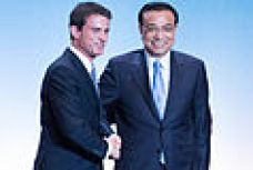 July 2015, Li meets the French prime minister Manuel Valls.