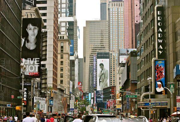 Broadway Manhattan - Wikipedia