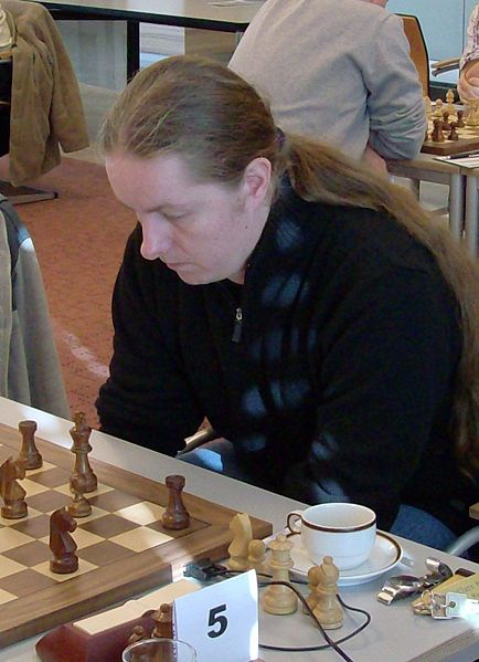 https://i0.wp.com/upload.wikimedia.org/wikipedia/commons/thumb/c/c9/Liviu-Dieter_Nisipeanu.jpg/434px-Liviu-Dieter_Nisipeanu.jpg