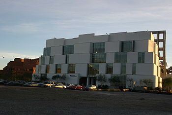 English: The north side of the Lou Ruvo Center for Brain Health