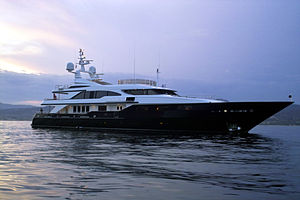 Luxury yacht in the Gulf of Saint-Tropez, 2006