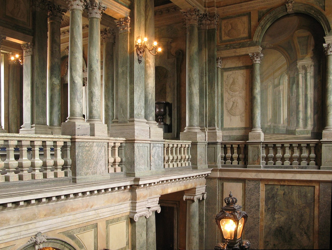 File:Staircase 2, Royal Palace, Stockholm.jpg