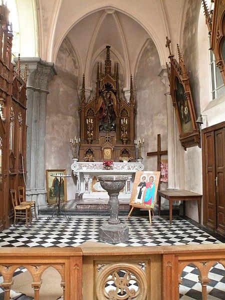 Fichier:Autel Église Saint-Étienne de Wignehies.JPG