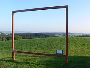 Open-air picture frame, set up as a reference ...