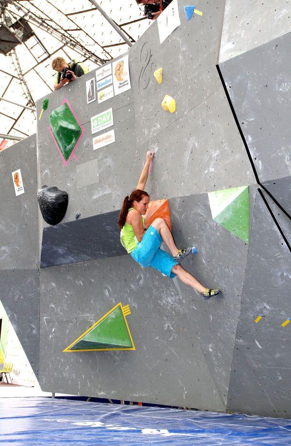 Indoor Rock Climbing vs Bouldering