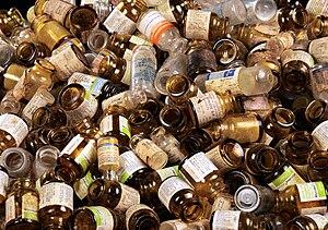 English: Contaminated glass bottles.