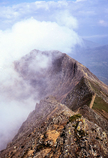 File:Crib goch ridge arp.jpg
