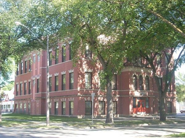 File Washington School Grand Forks North