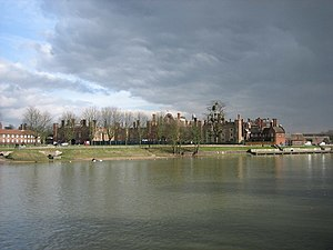 English: Hampton Court Palace From across the ...