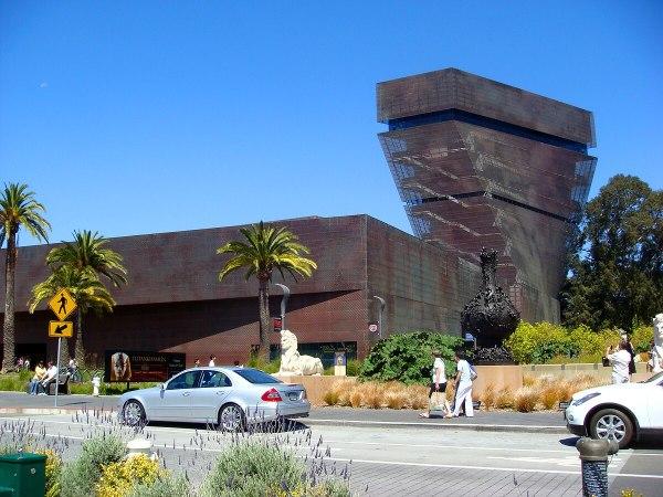 De Young Museum - Wikipedia