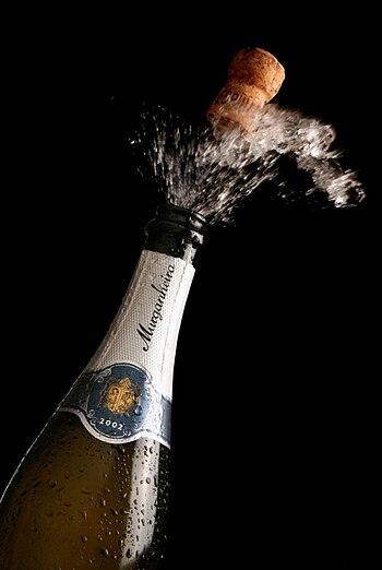 English: Murganheira Bottle of sparkling wine.
