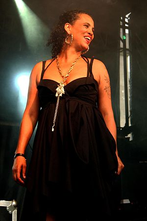 English: Photograph of Swedish musician Neneh ...