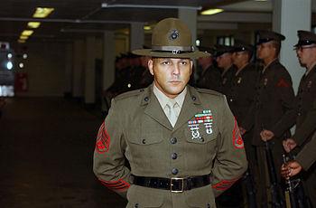 English: US Marine Corps Senior Drill Instruct...