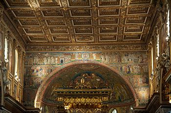 English: Central nave of Basilica di Santa Mar...