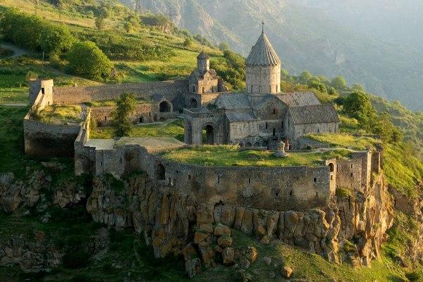 Tatev Monastery - Wikipedia