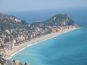 English: Varigotti - Italy from Caviglia Tower...