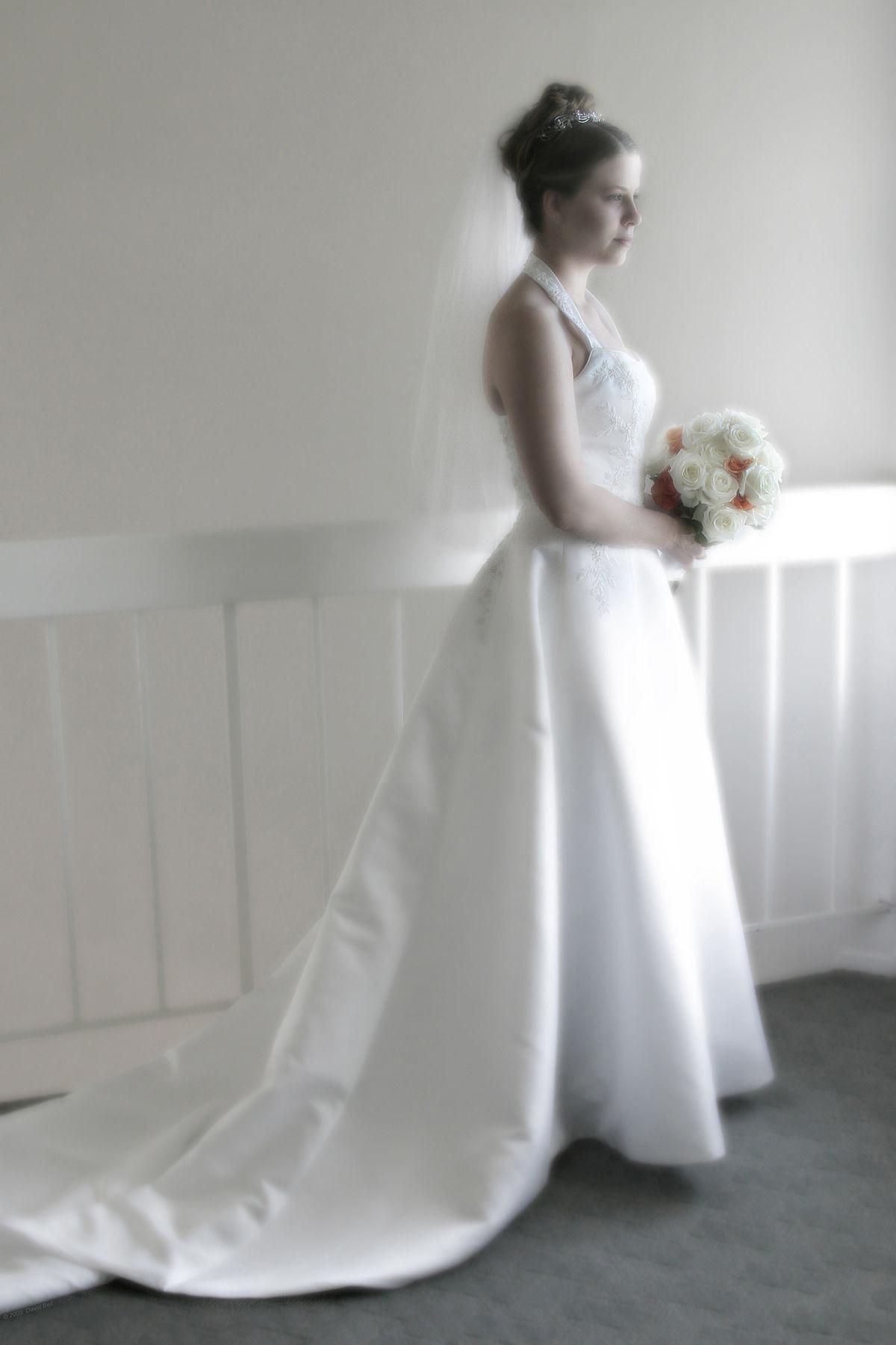 Contemporary Western wedding dress  Wikipedia