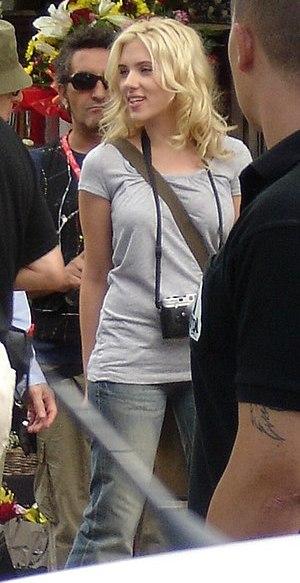 Español: Scarlett Johansson en la Rambla de Ba...