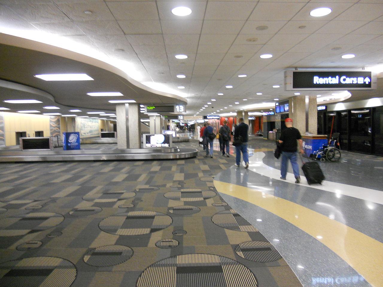 FileTampa International Airport Red Bag Claim 2011JPG