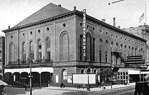 English: Academy of Music (New York City). Des...