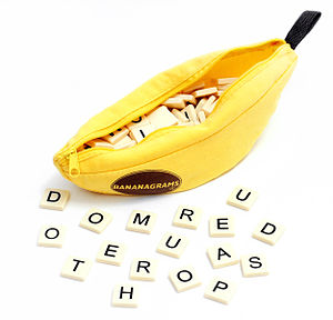 English: The game Bananagrams, showing pieces ...
