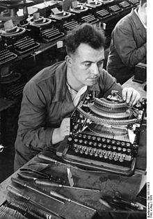 Machine à écrire - Vikidia, l'encyclopédie des 8-13 ans