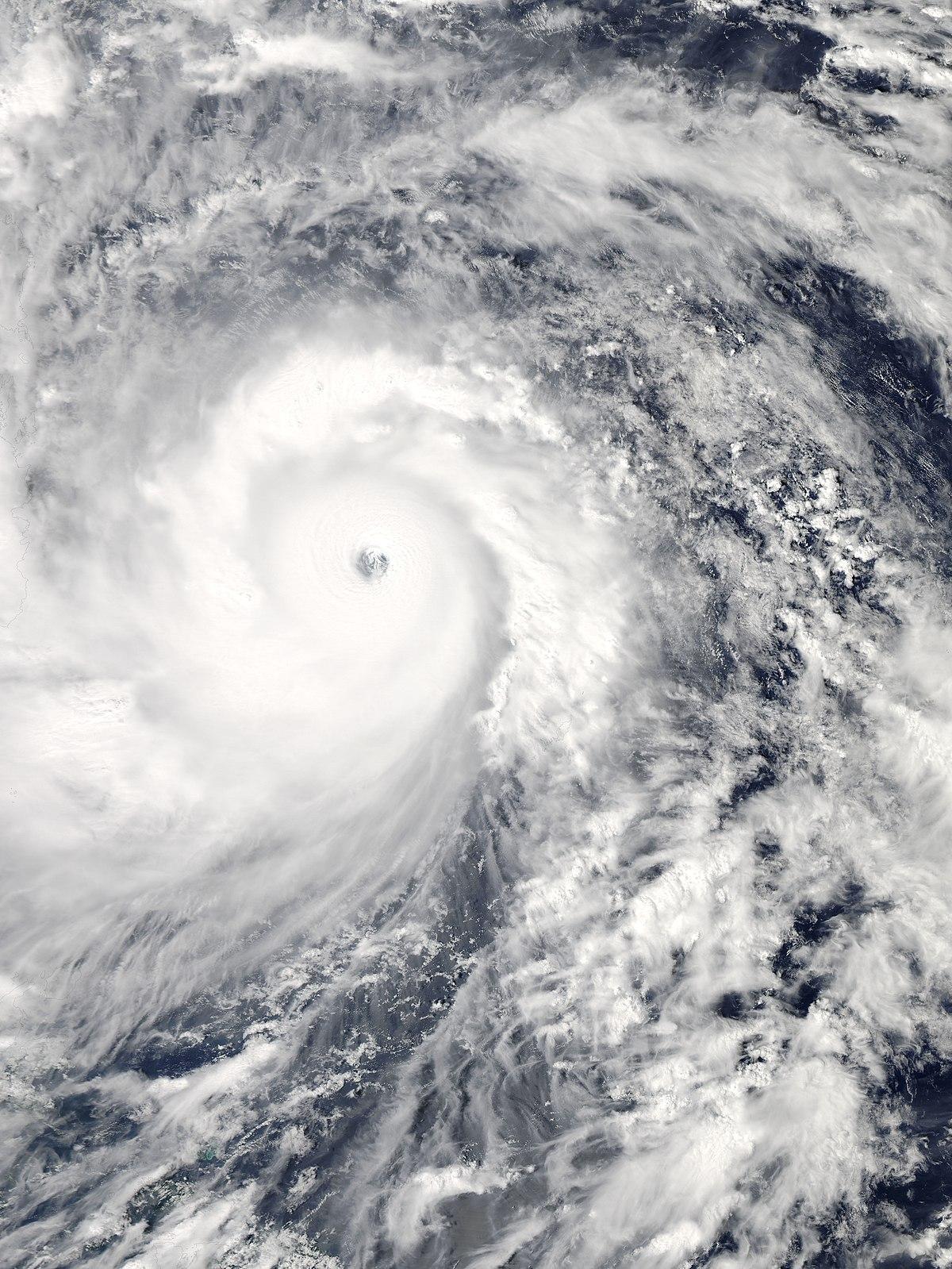 Badai Haiyan Angin Topan Kekeringan Dan Banjir Merupakan Contoh Bencana : badai, haiyan, angin, topan, kekeringan, banjir, merupakan, contoh, bencana, Topan, Haiyan, Wikipedia, Bahasa, Indonesia,, Ensiklopedia, Bebas