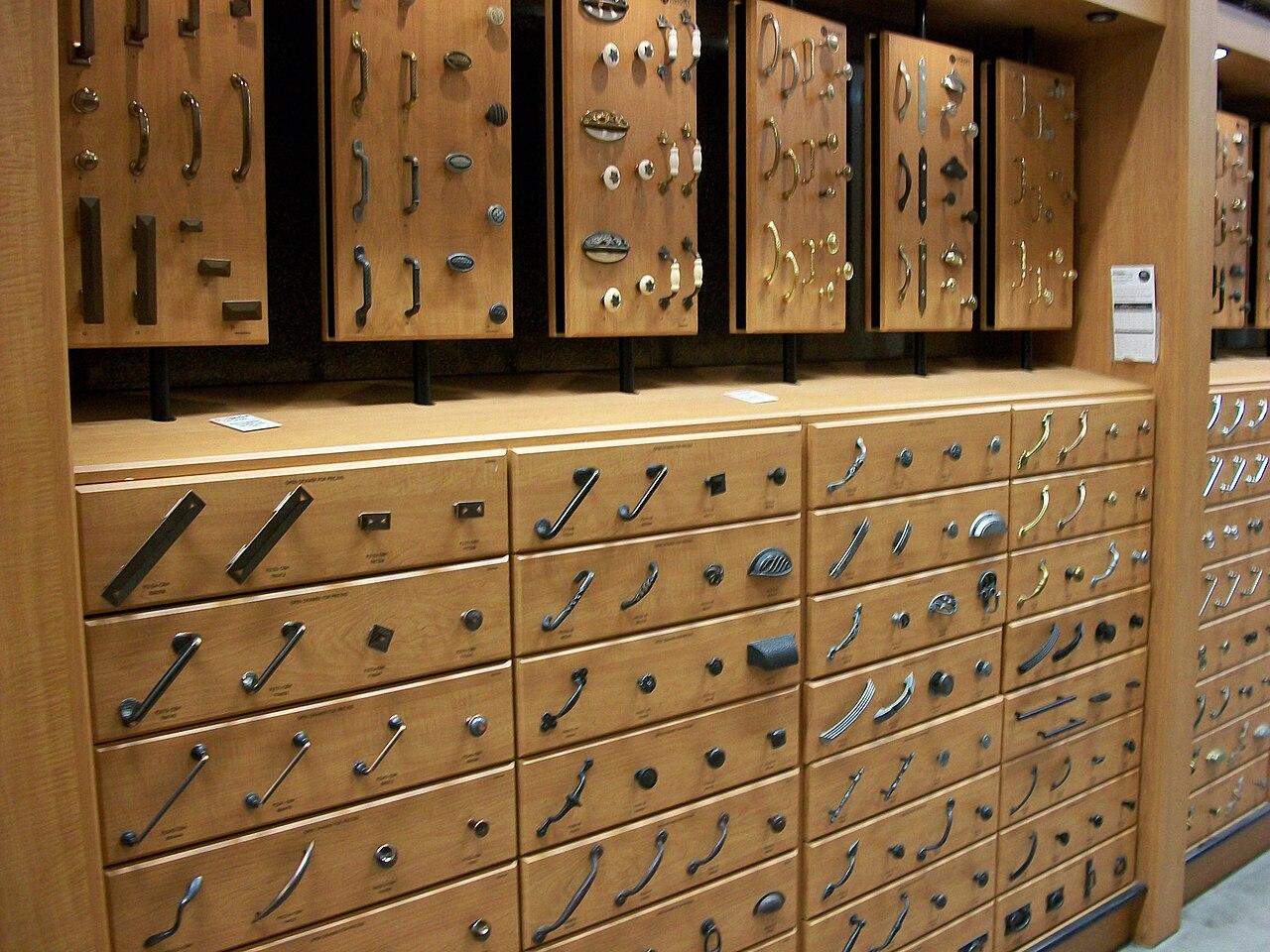 File Kitchen Cabinet Hardware 2009 Wikimedia Commons