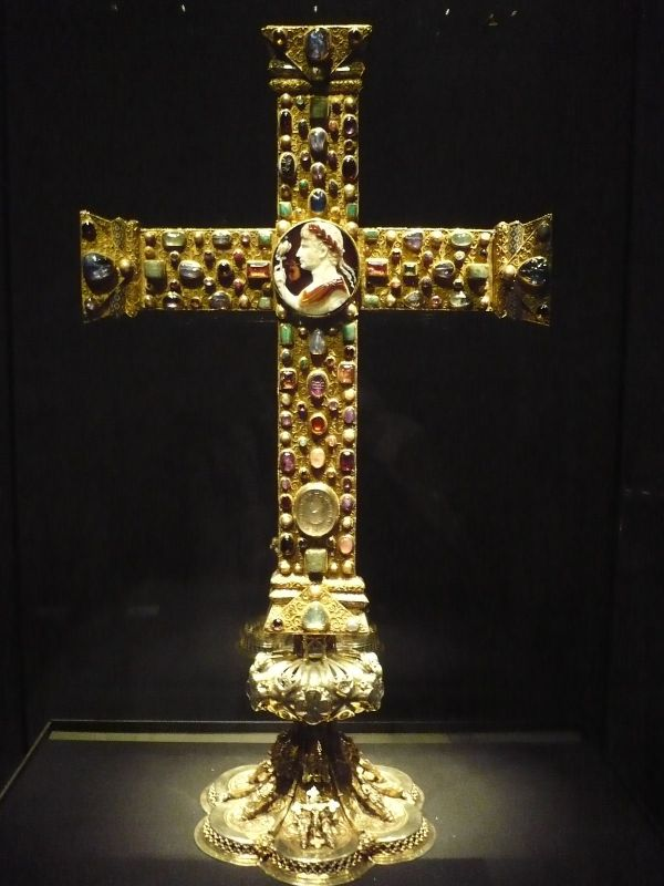 Middle Ages Cross
