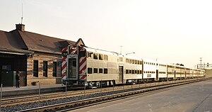 Metra train No. 1292 arrives at Naperville sta...