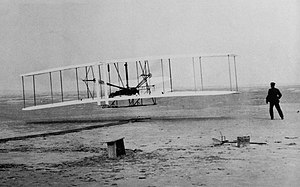 English: Photograph of the first successful fl...