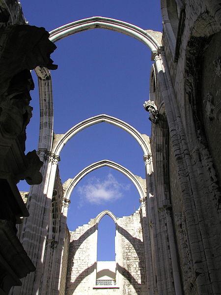 Convento do Carmo ruins in Lisbon.jpg