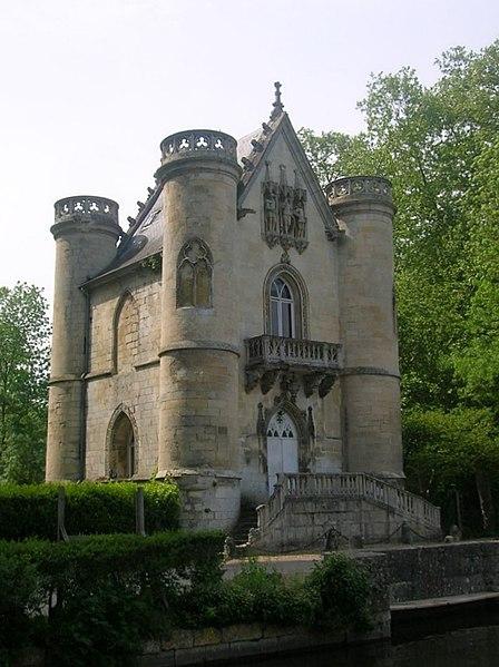 File:Le chateau de la Reine Blanche.jpg