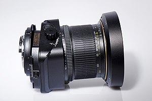 Deutsch: Ein PC-E Objektiv von Nikon in Tilt-S...