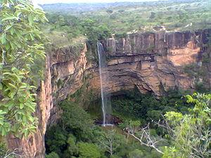 Cachoeira Véu da Noiva Parque Nacional de Chap...