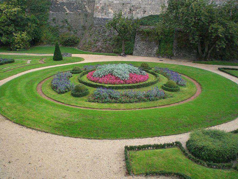 Château angers jardin interieur couleur