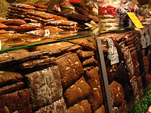 English: Lebkuchen at the Nuremberg Christmas ...