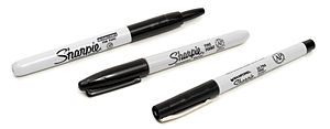 English: A variety of Sharpie-brand markers. A...