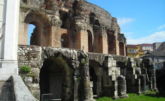 Teatro Romano Di Benevento Wikipedia