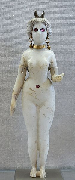File:Statuette Goddess Louvre AO20127.jpg