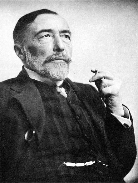 File:Joseph Conrad 1916.jpg