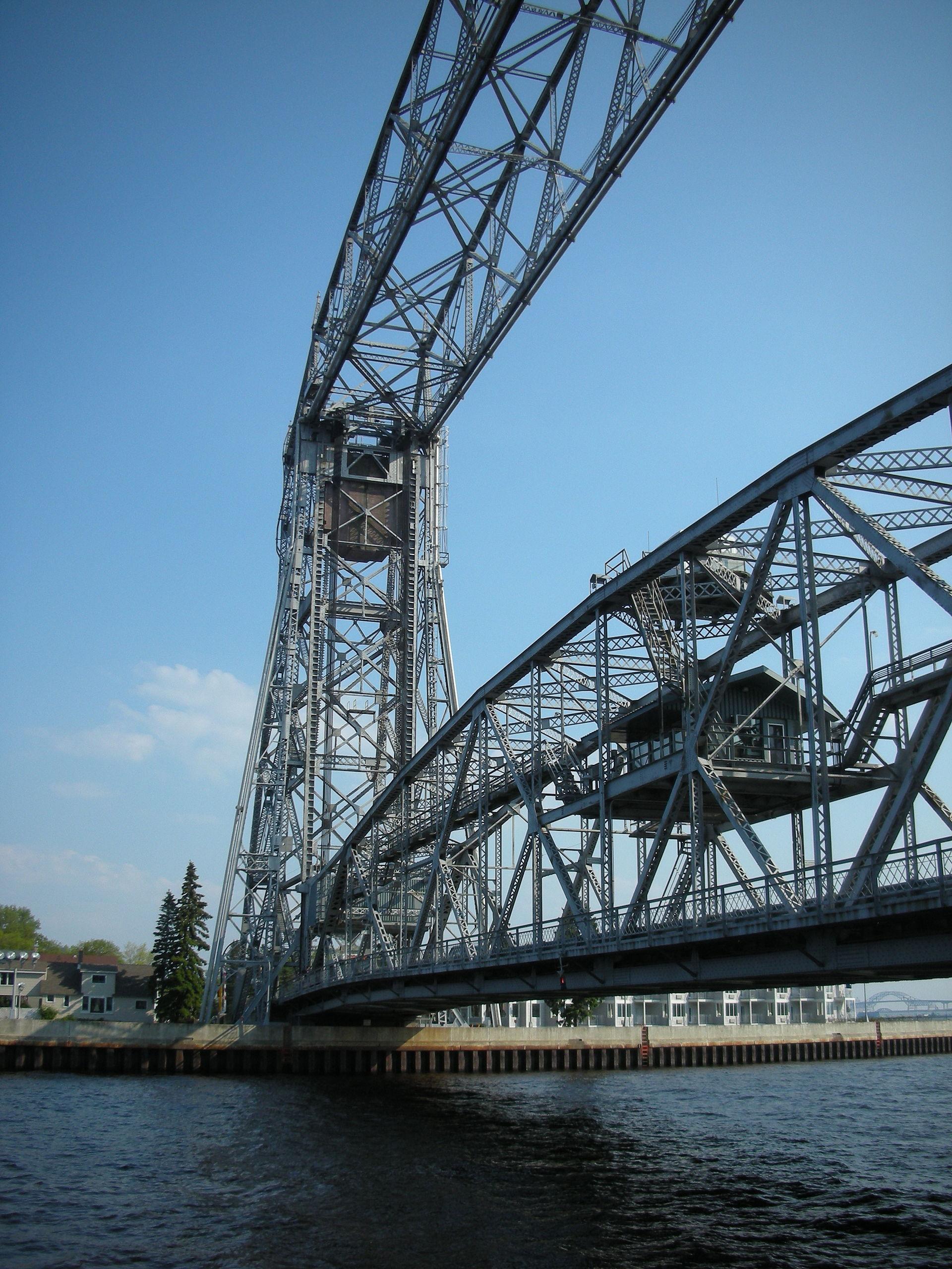 Aerial Lift Bridge – Wikipedia