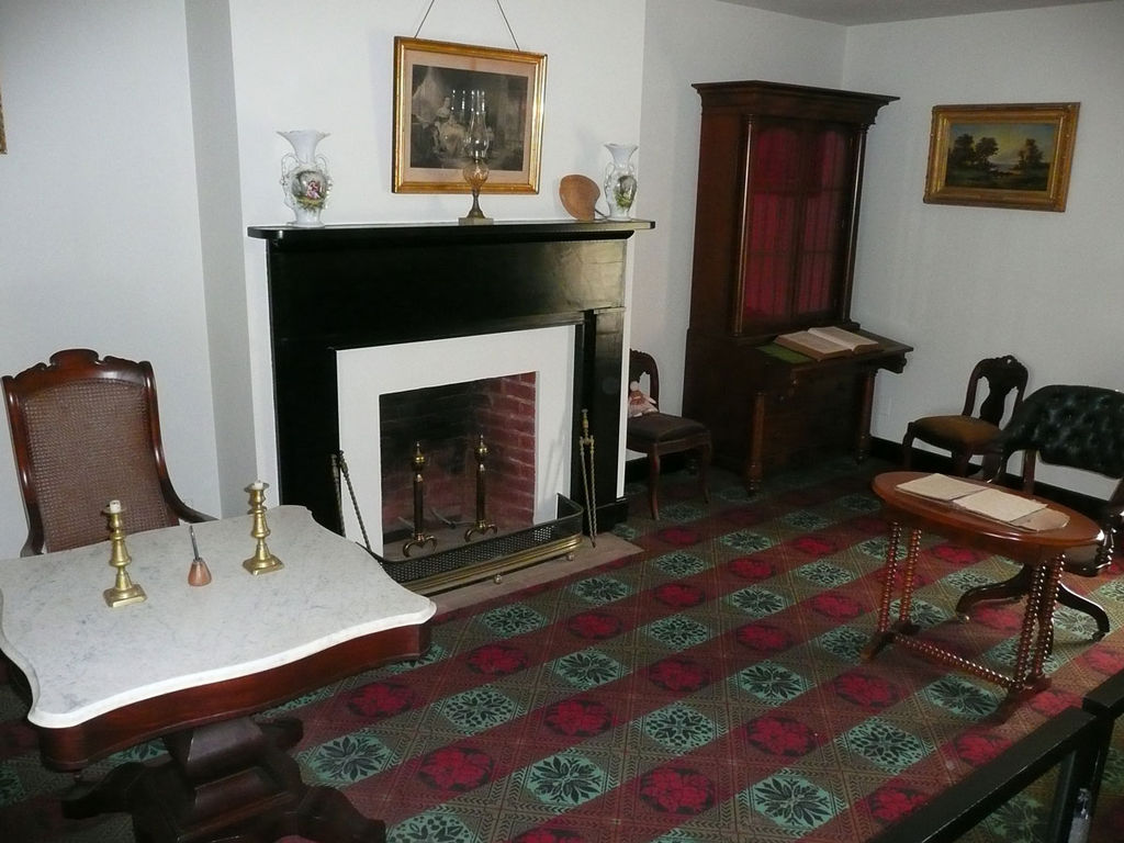 FileMcLean House parlor Appomattox Court House Virginia